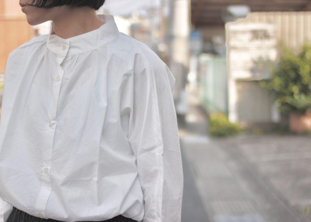 初夏のシャツ+パンツスタイル
