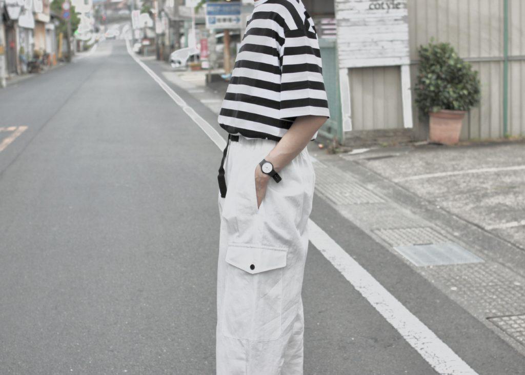 春夏の白パンツは、カジュアルに!-nicholson&nicholson-