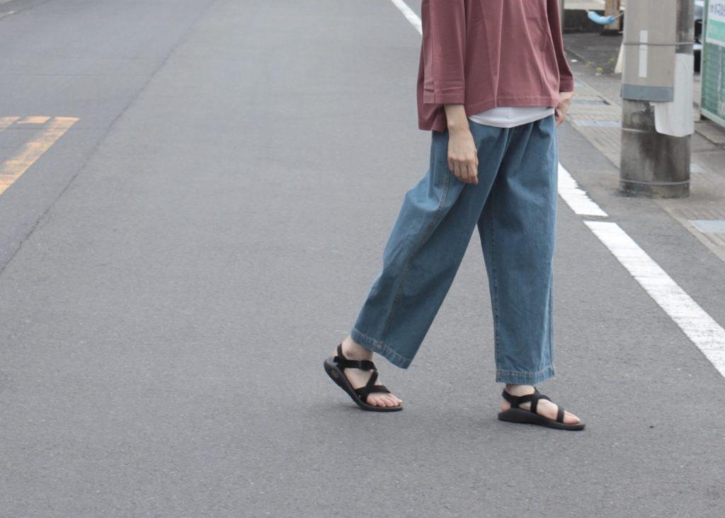 足もと軽やかデニムスタイル