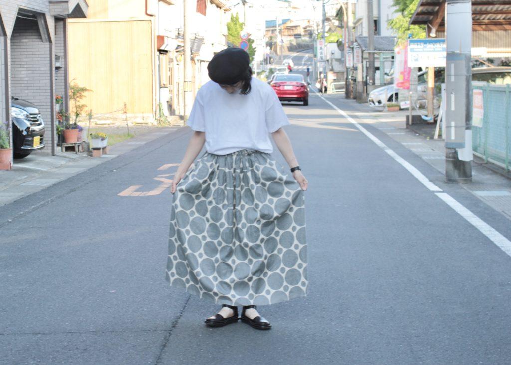 見た目も涼しげに シンプルTee+Dot Skirt Coordinate