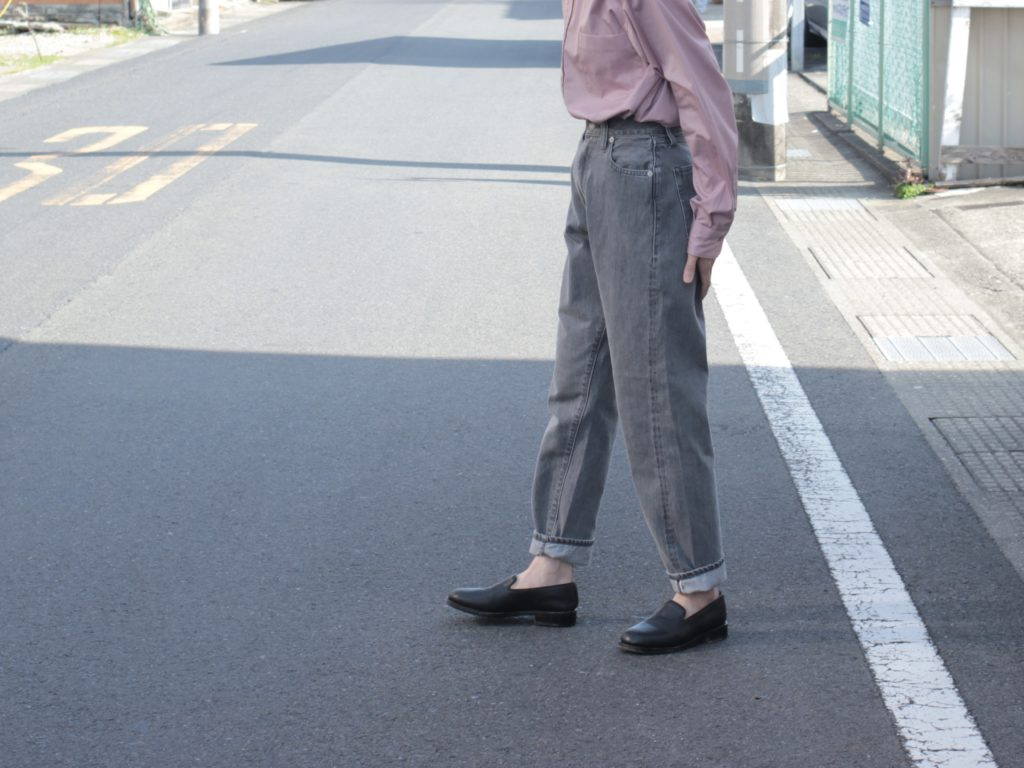 【LENO】LUCY HIGH WAIST TAPERED JEANS のNew Color !! FADE BLACK